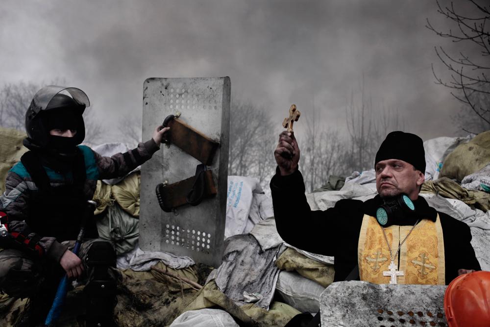 Gli scontri a Kiev, in Ucraina, dal 19 al 21 febbraio 2014. Secondo premio spot news storie. (Jérôme Sessini, Magnum per De Standaard)