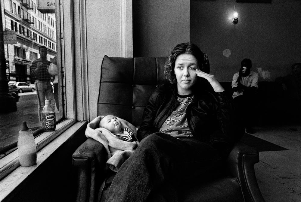 The Julie project. Primo premio progetti a lungo termine. Per 21 anni Darcy Pradilla ha fotografo Julie e famiglia, tra povertà, droga, relazioni, nascite e morti